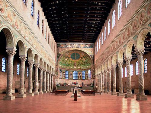 Basilica di sant'Apollinare in Classe, interno (Ravenna)