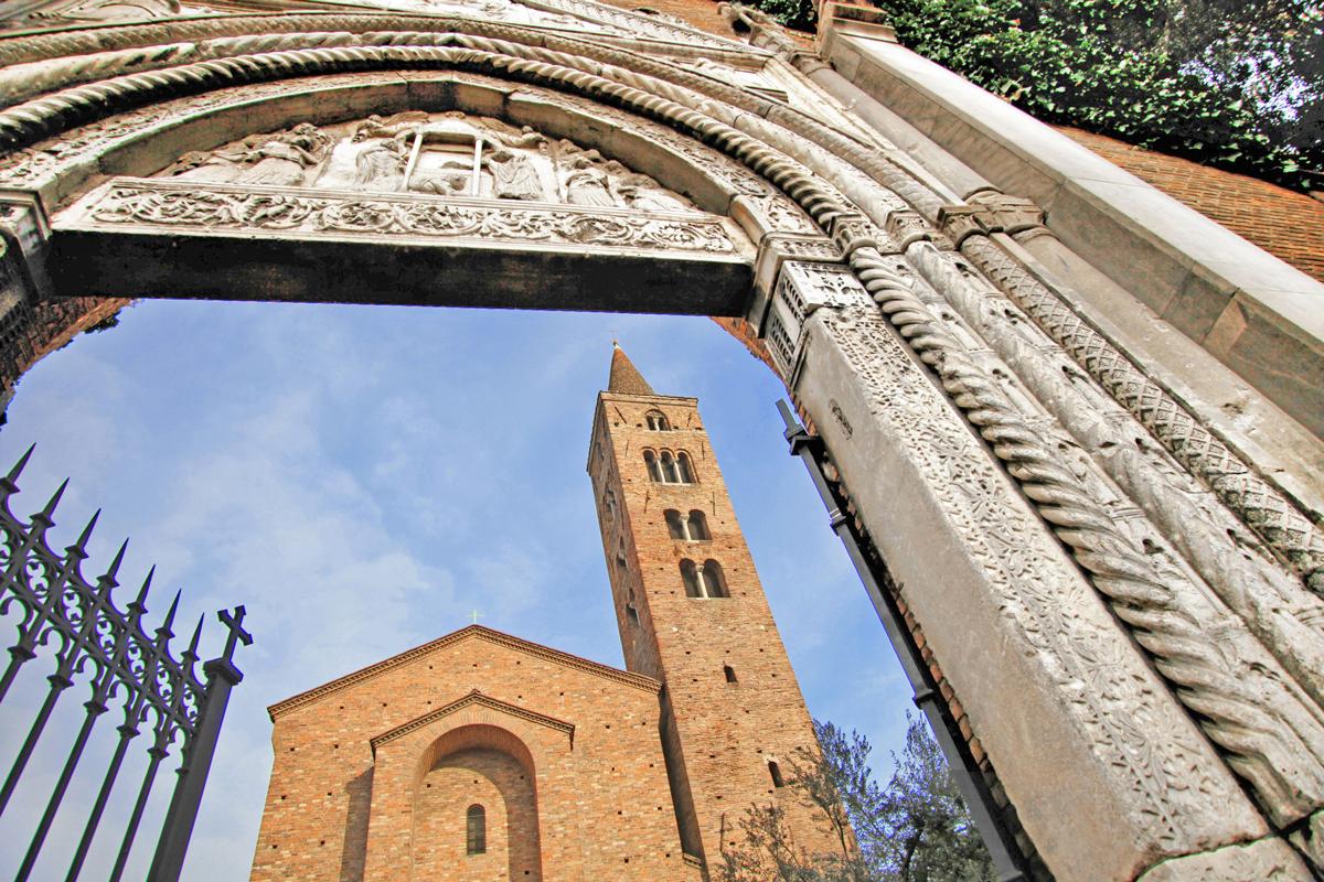 La Basilica di San Giovanni Evangelista (Ravenna)