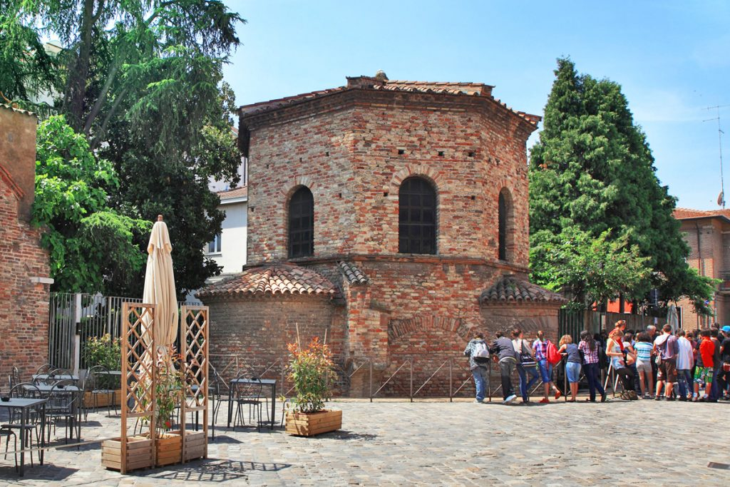 La Piazzetta degli Ariani, Ravenna