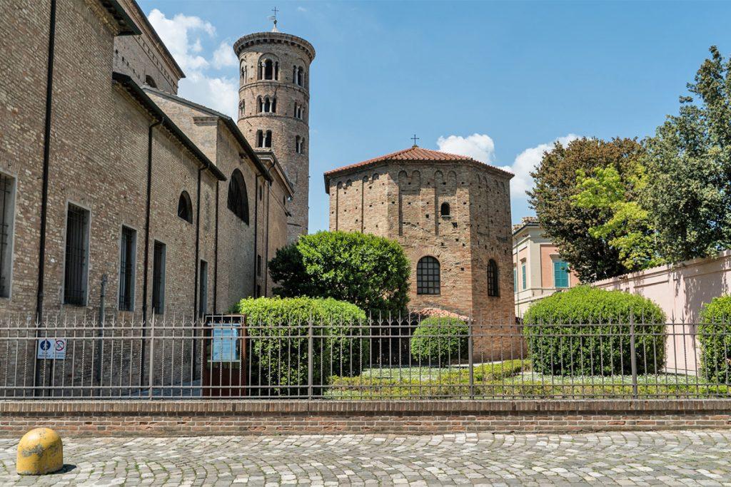 Battistero Neoniano (Ravenna)