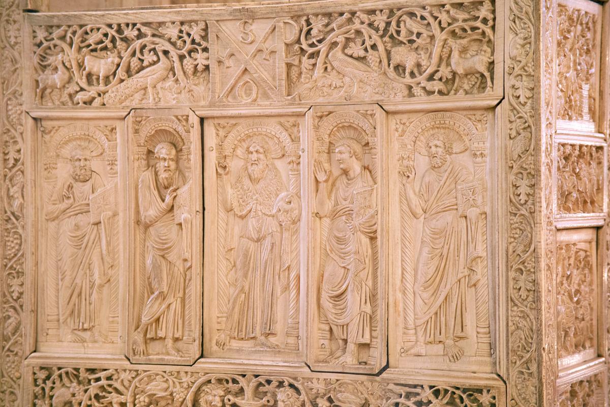 Museo Arcivescovile di Ravenna - La Cattedra di Massimiano
