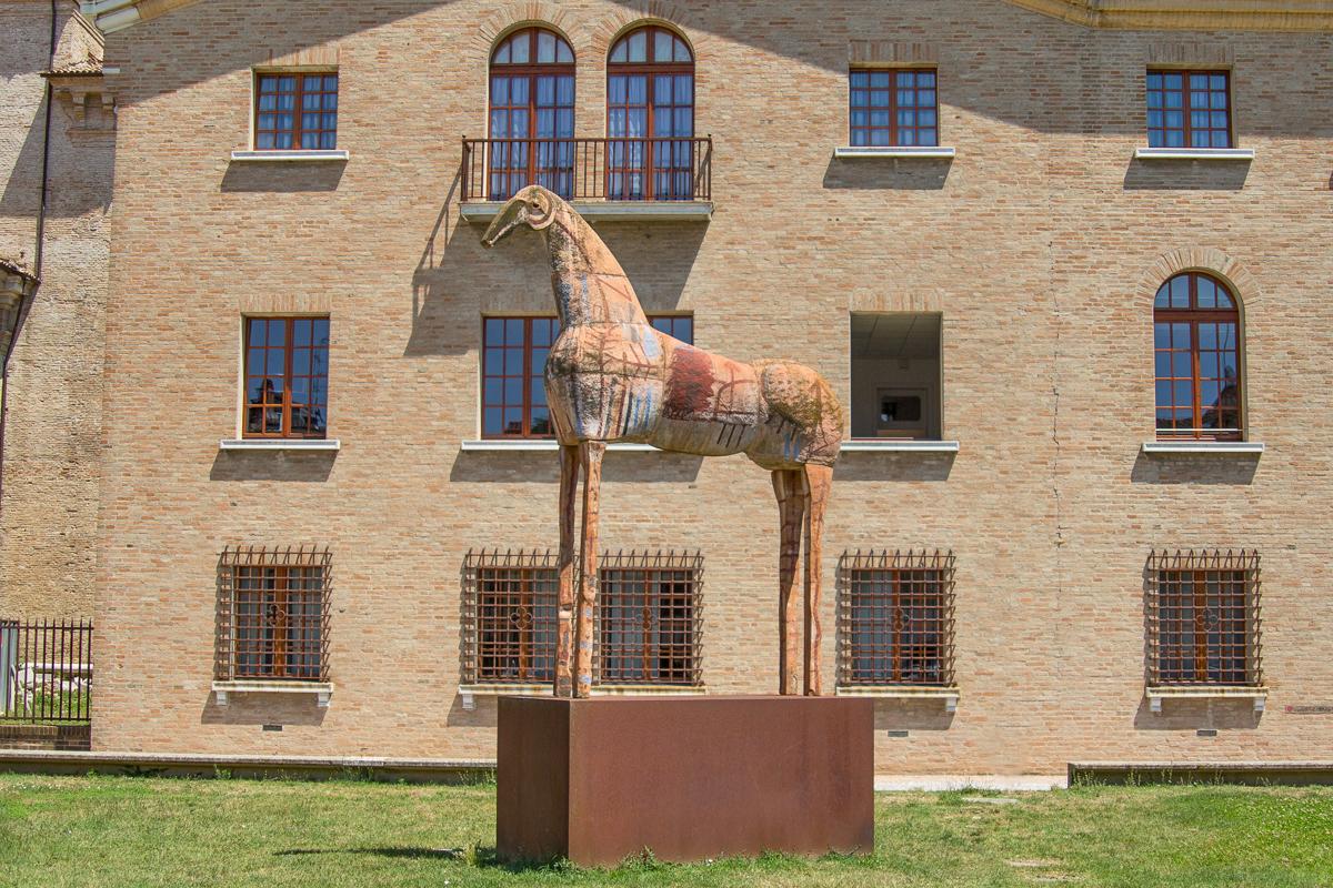 Il Cavallo di Mimmo Paladino | Ph. © Archivio Ravenna Turismo
